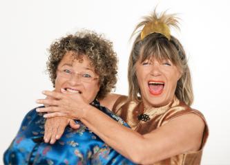 1A Mundartkabarett mit erstklassigem Gesang, fachkundiger Astrologie und herzerfrischenden Humor! Egal welches - der 3- Kabarettprogramme das Frauenkabarett Küchen-Geplänkel zeigt, die Zuschauer(INNEN) dürfen sich auf stutenbissige Verbalattacken und spitzzüngige Giftspritzen freuen. Susa & Uschi die zwei Vollblut-Kabarettistinnen beleuchten in ihren Programmen ausgesprochen humorvoll Zwischenmenschliches und Übermenschliches. Küchen-Geplänkel, das ist Kabarett zum lachen, lustiges Musikkabarett, Mundartkabarett mit Gesang und Astrologie, Wortakrobatik, Frauenkabarett mit witzigen Dialogen, Comedy, Zwerchfellmassage, Unterhaltung der Extraklasse.