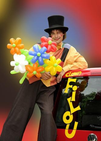 Der beliebte, überregional bekannte Clown Filou begeistert das Publikum mit seinen vielseitigen ...