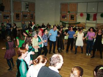 Das nächste Céili ist geplant am 12. 03. 2022 mit Livemusik der Band Na Mahones ó Inis Beag. ...