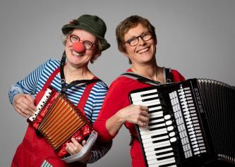 Clown Pipinelli und Frau Knötzele am Akkordeon: echt schwäbisch, musikalisch, komisch! / / Wir ...